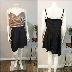 Dresses & Skirts - Shiny top dress